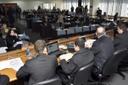 Deputada do Distrito Federal faz denúncias contra depoente da CPI