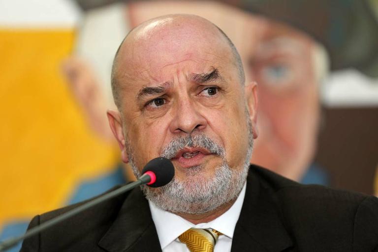 """Ghignone pede """"mudança de foco"""" na CPI do Transporte"""