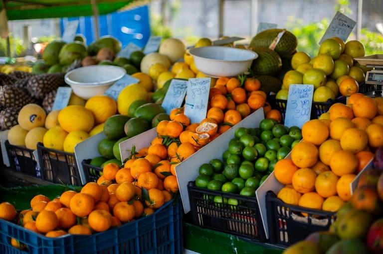 Aprovada divulgação mais clara do preço de alimentos vendidos por peso