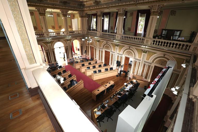 Câmara aprova pagamentos do Município a serviços suspensos
