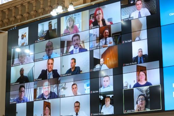 Câmara comemora sucesso de votações feitas em sessões online