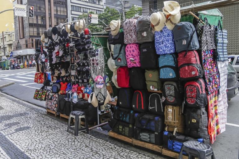 Câmara de Curitiba pode alterar regras do comércio ambulante
