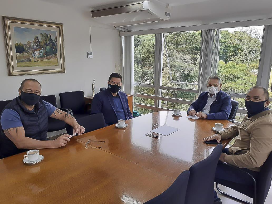Câmara de Curitiba recebe reivindicações de optometristas