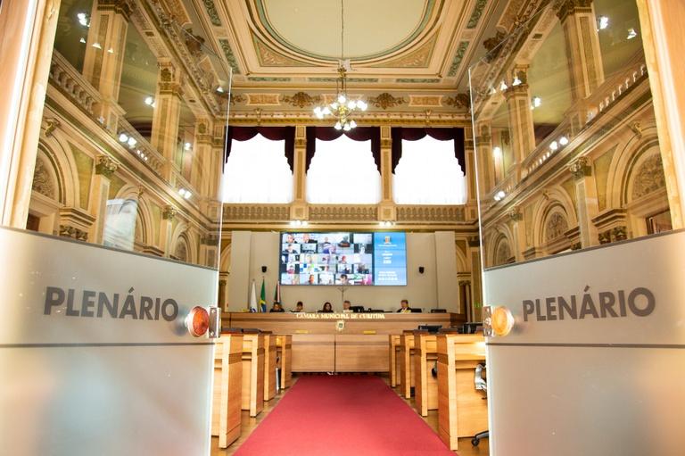 Câmara de Curitiba vota mensagens do Executivo em regime de urgência