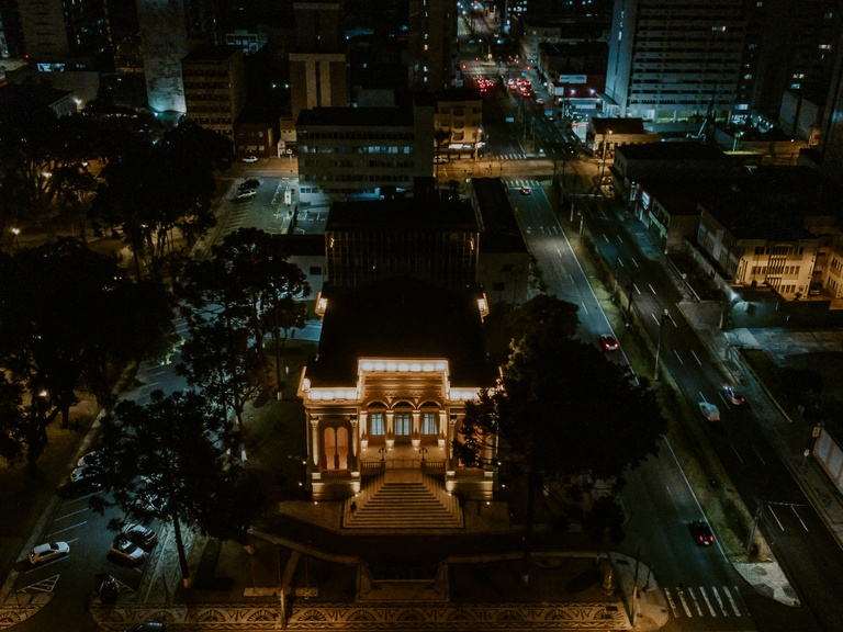 Câmara ilumina Palácio Rio Branco em campanha contra acidentes de trânsito