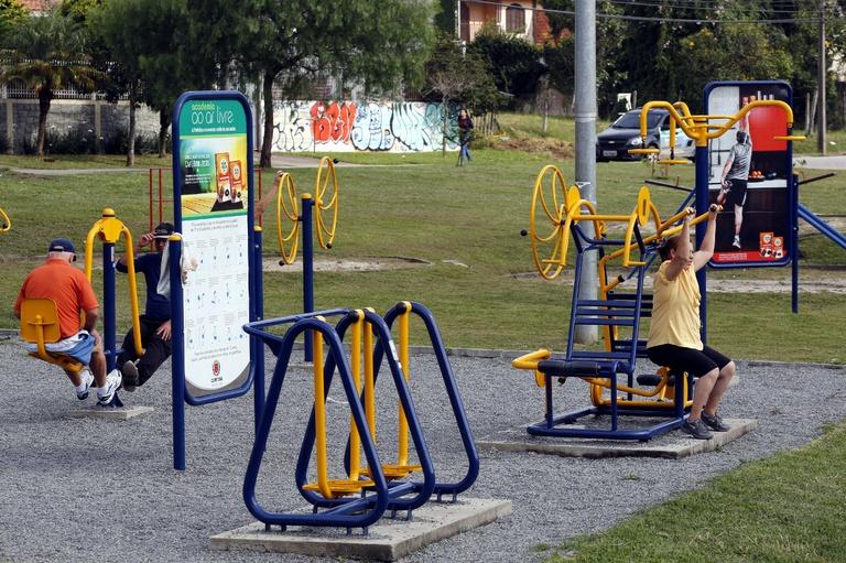 CMC requer academia ao ar livre para vários bairros da capital