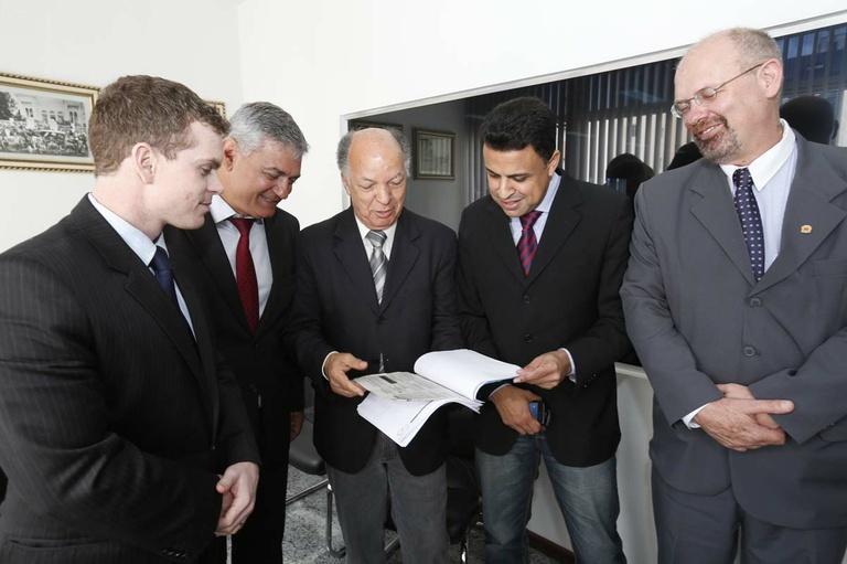 Comissão acata abolir voto secreto na Lei Orgânica