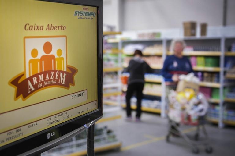 Compra em Armazéns da Família pode incluir afetados por pandemia
