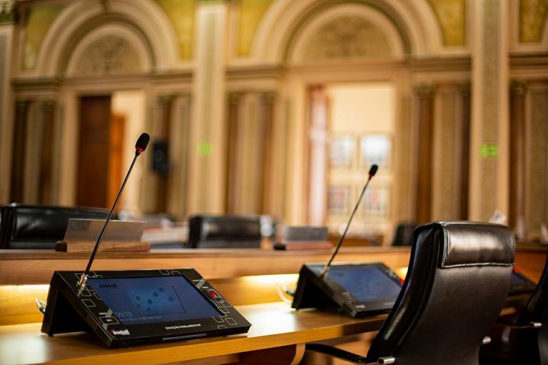 Confirmado aumento de multa aos bancos por demora no atendimento