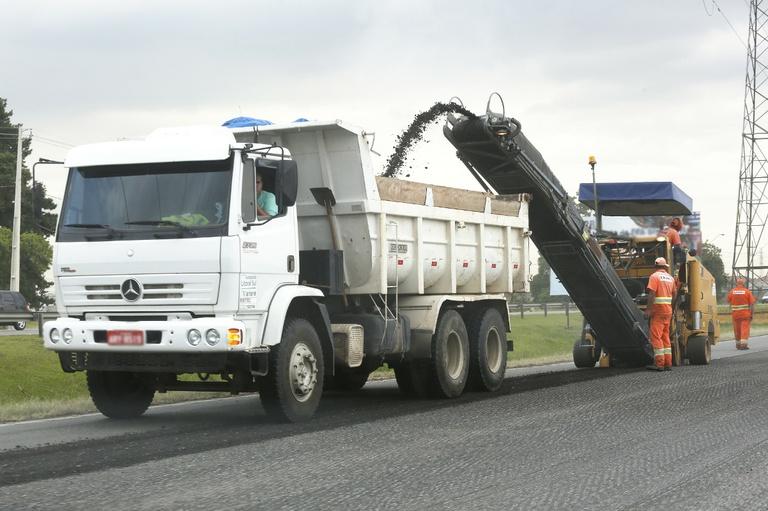 Decreto de 2005 autoriza parceria com moradores para asfalto