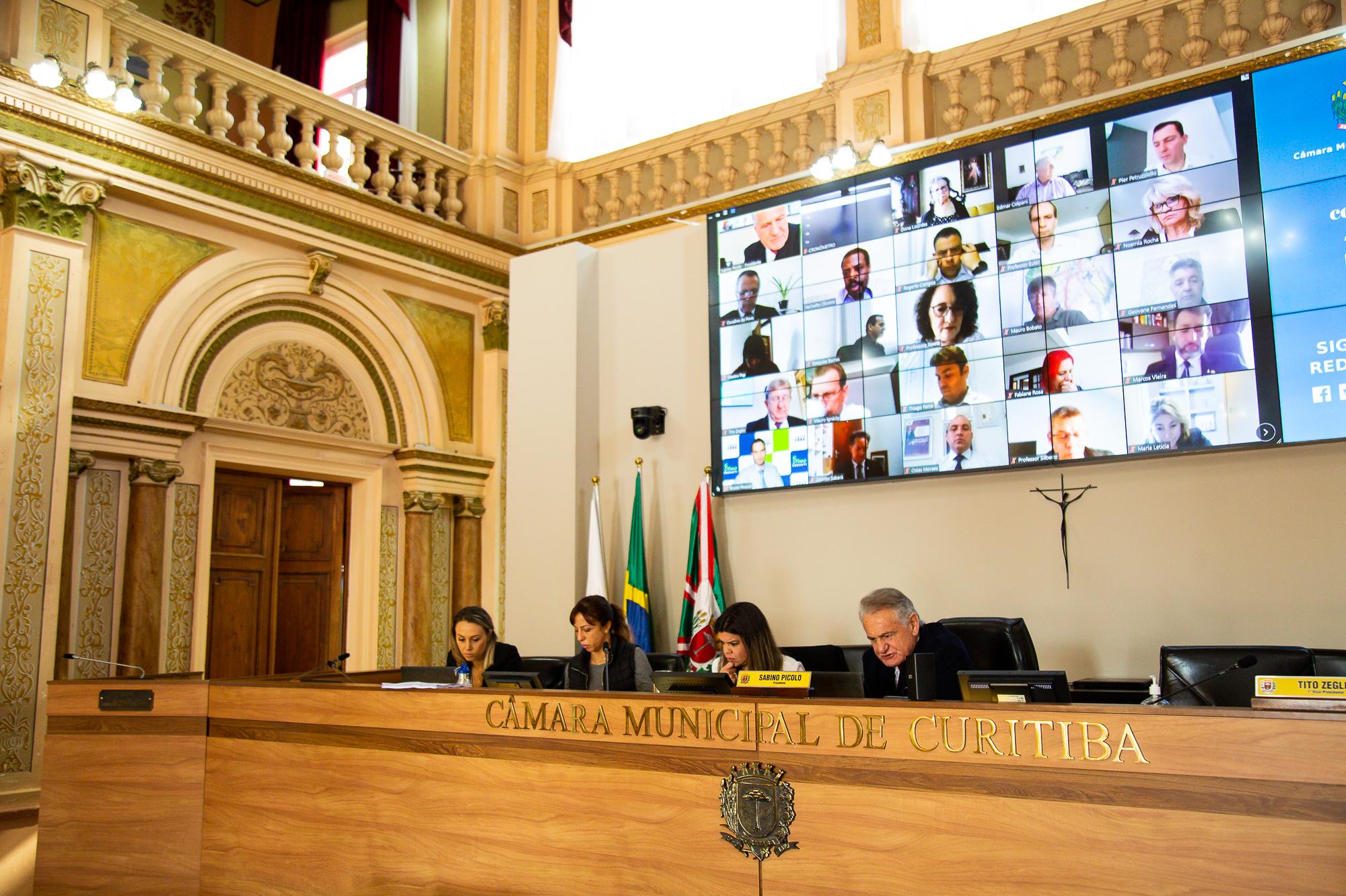 Em 1º turno, Câmara aprova contas da Prefeitura de Curitiba de 2009