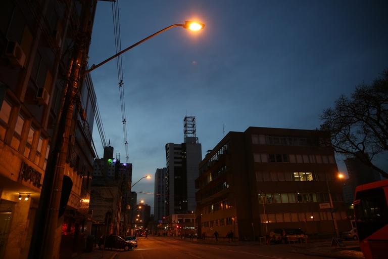 Em outubro, 29 requerimentos pediram manutenção de iluminação