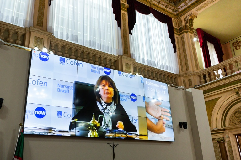 Enfermagem precisa de apoio real da sociedade, diz presidente do Coren-PR