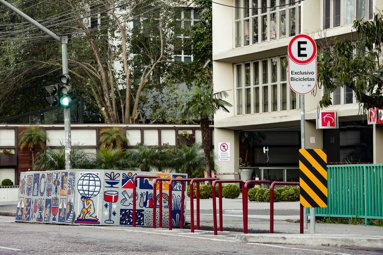 Incentivo à ampliação dos parklets pode virar lei em Curitiba