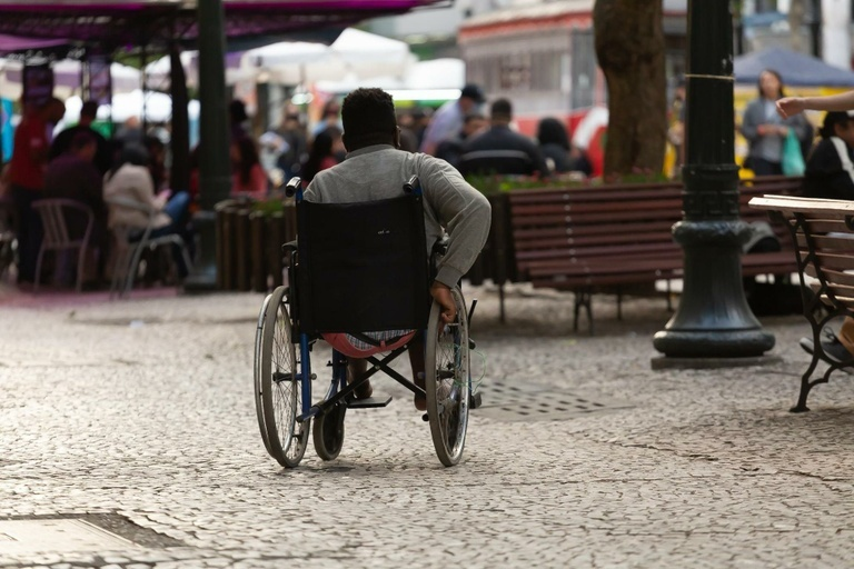 Live da CMC discute atendimento inclusivo à pessoa com deficiência