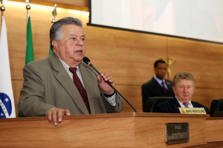 Nos Bairros: Marcelino sugere obras nas leis orçamentárias