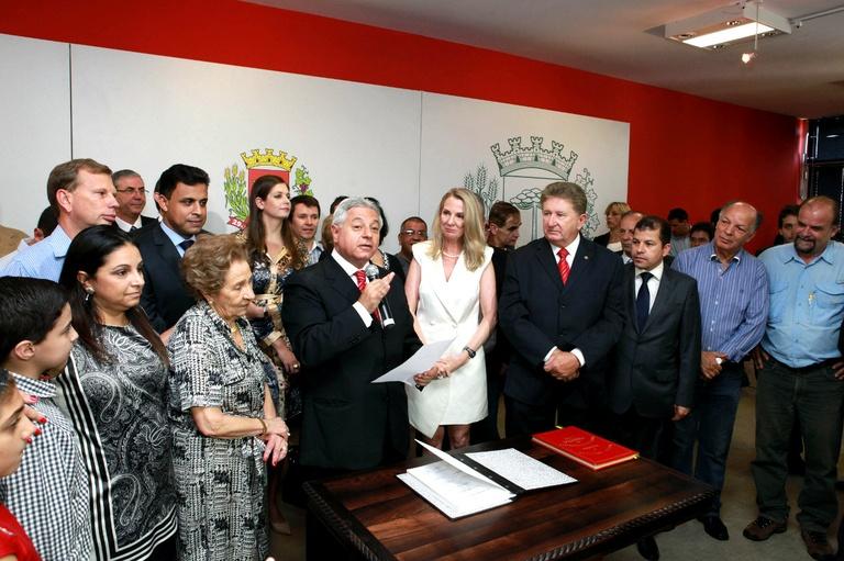 Paulo Salamuni assume a Prefeitura de Curitiba