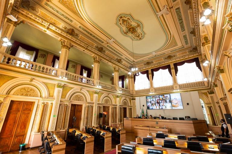 Plenário aprova regime de urgência a 2 mensagens do Executivo