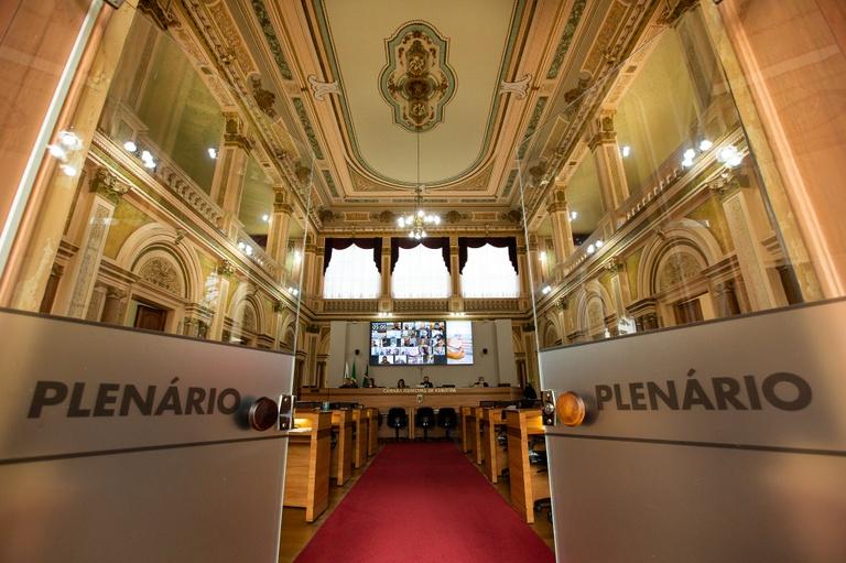 Por unanimidade, TCE-PR aprova contas de 2019 da Câmara de Curitiba