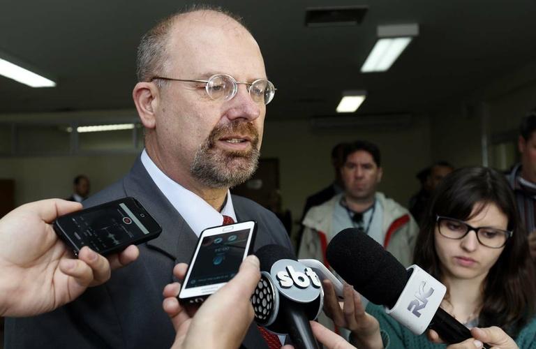 Presidente da CPI debate custódia preventiva de Isfer e Ghignone com MP