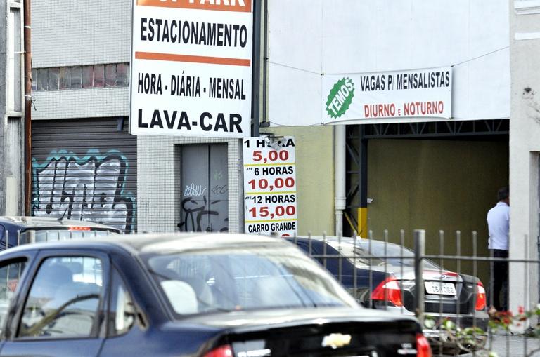 Projeto de lei determina reutilização da água em lava cars