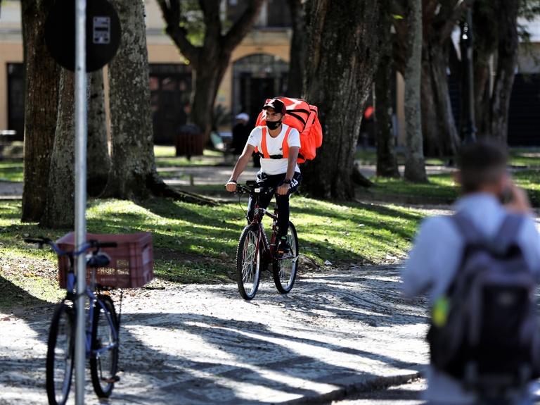 Proposta regulamentação das entregas por bicicleta em Curitiba