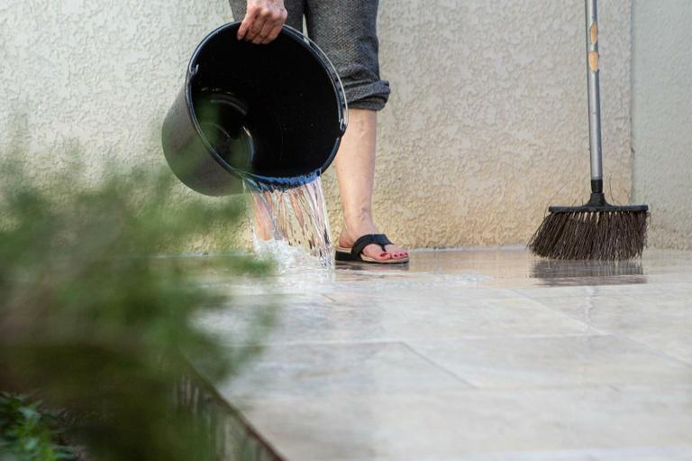 Retorna à pauta projeto para vedar lavagem da calçada com água potável