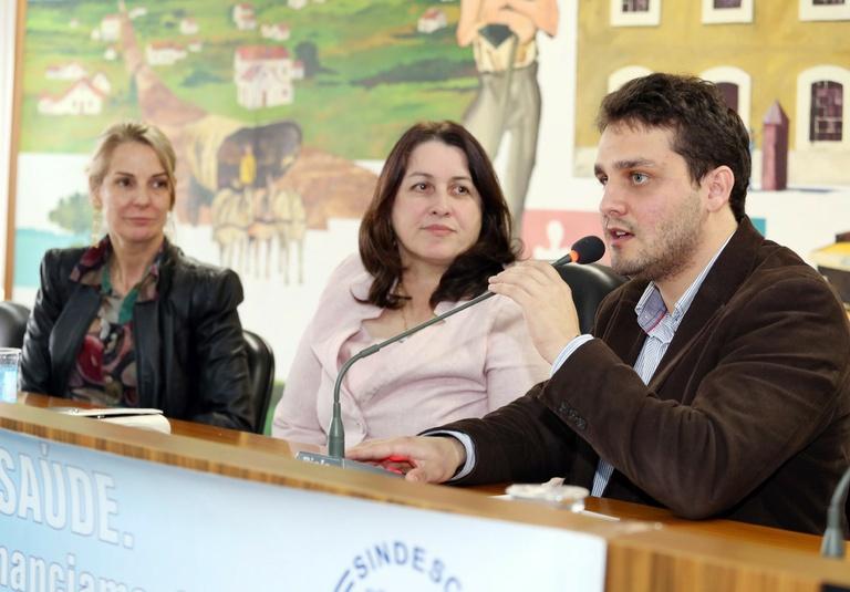 Seminário debate financiamento e situação dos profissionais da saúde