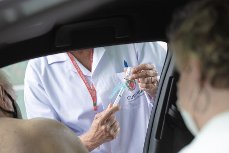 Sugerida priorização de vacinação para  portadores de TEA e cuidadores de PcDs