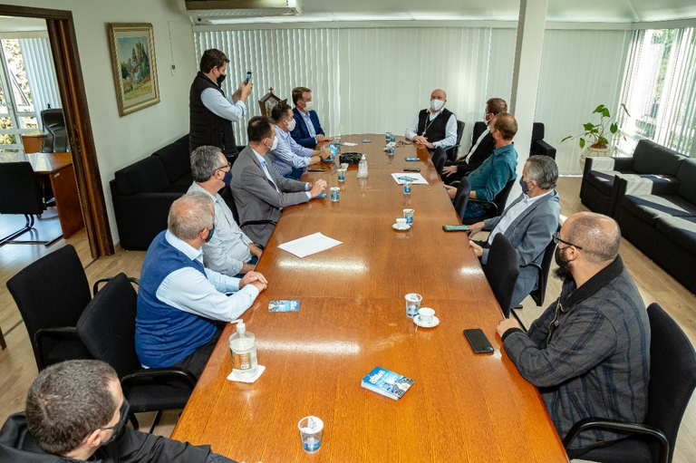 Visita à presidência: Arcebispo convida sociedade para o Corpus Christi