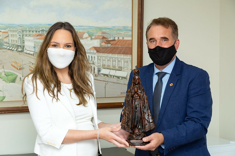 Visita à presidência: Tico Kuzma recebe deputada Maria Victória